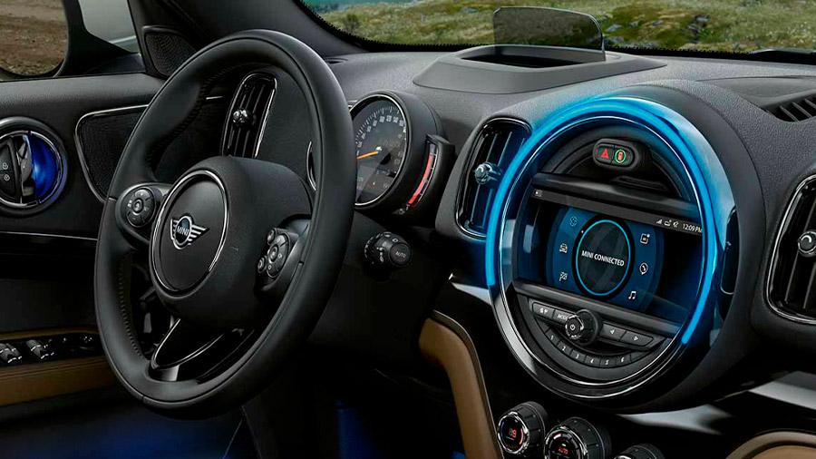 Es compatible con Apple CarPlay, mientras que los teléfonos Android solo se pueden emparejar a través de Bluetooth
