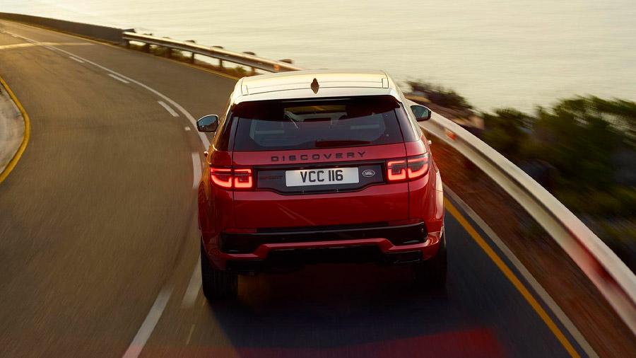 Este modelo confirma que la capacidad off-road no está peleada con el refinamiento y el lujo