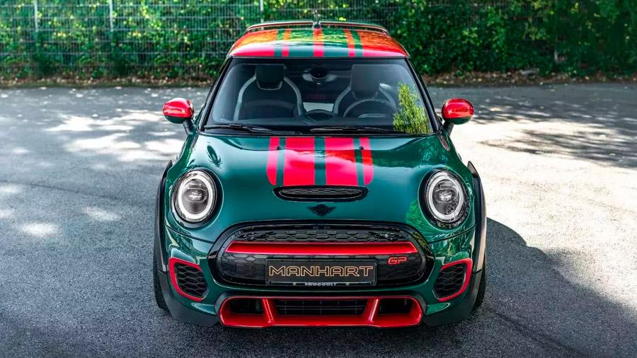 El vehículo recibe la emblemática pintura British Green Racing