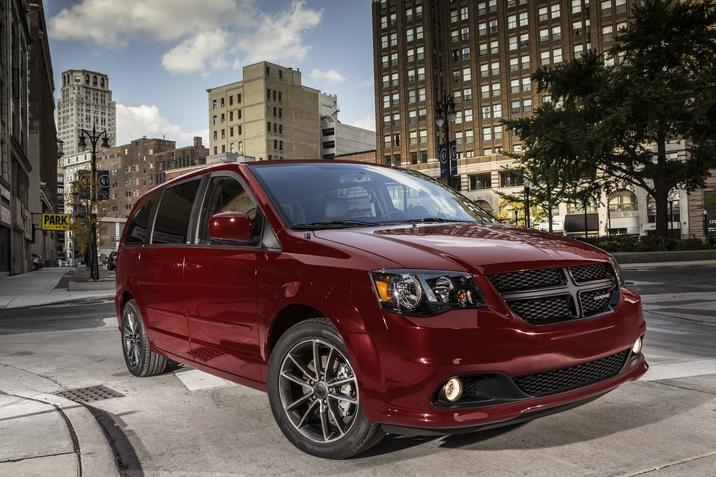 Dodge Grand Caravan: Elementos a revisar a los 10,000 kms y precios de servicios