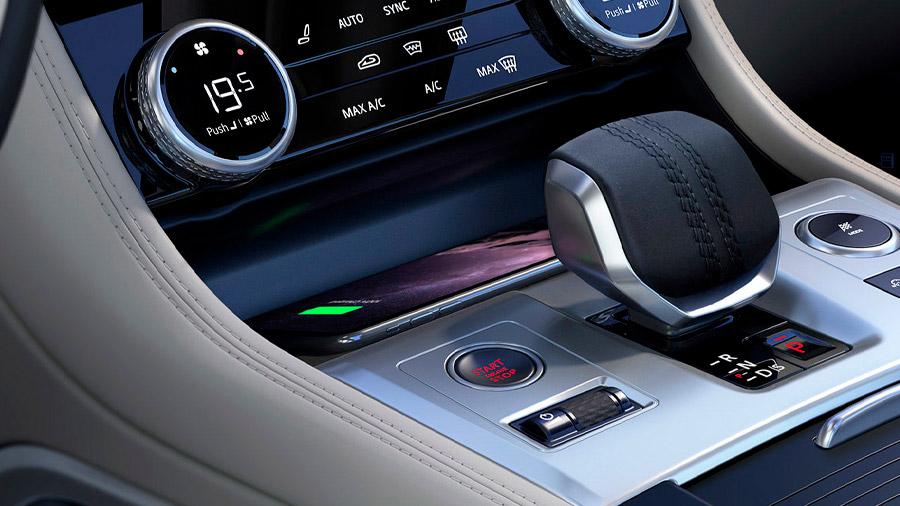 La transmisión automática de 9 velocidades está presente en todas las versiones