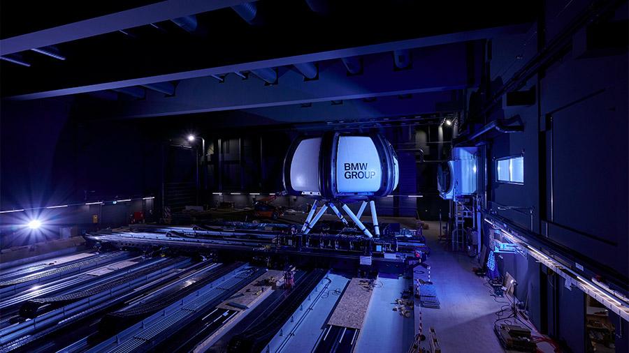Albergan 14 simuladores de alta tecnología y laboratorios especializados
