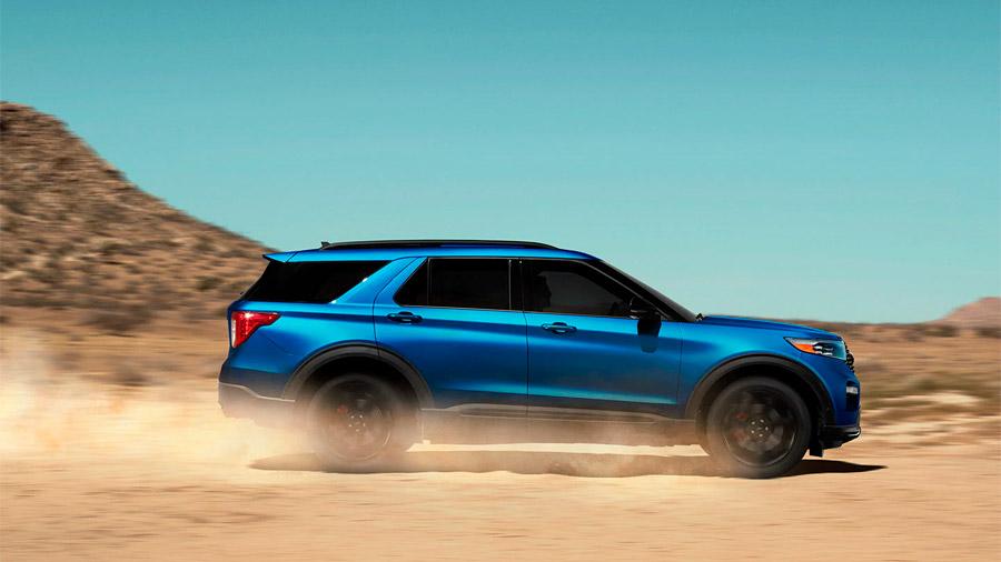 Es una SUV de 3 filas que busca salirse del molde con un manejo dinámico y entretenido