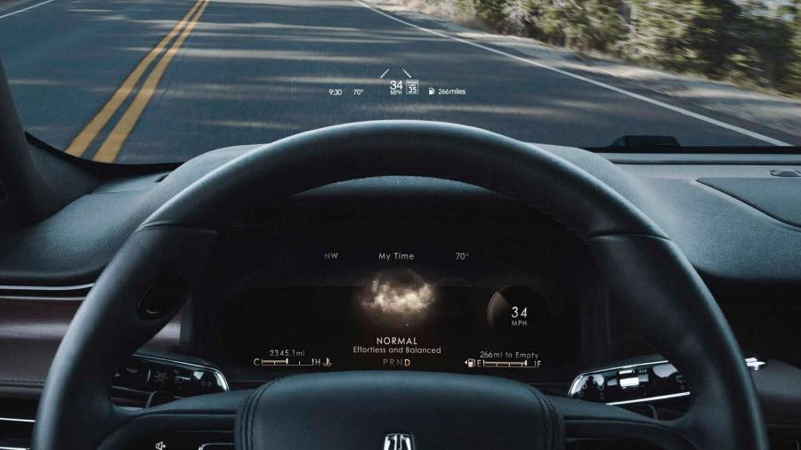 El volante cuenta con calefacción para hacer el viaje más confortable