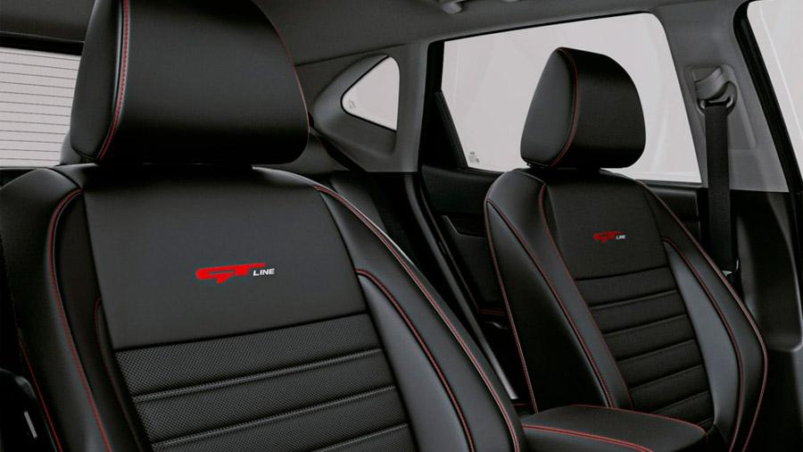 Integra asientos de corte deportivo con sistema de ventilación