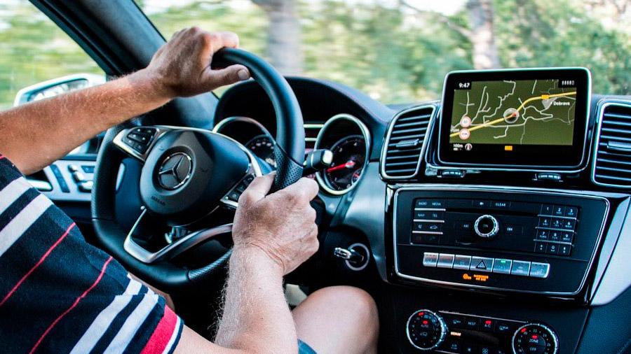 Una buena alternativa para maximizar la eficiencia es optar por autos con dirección asistida eléctrica