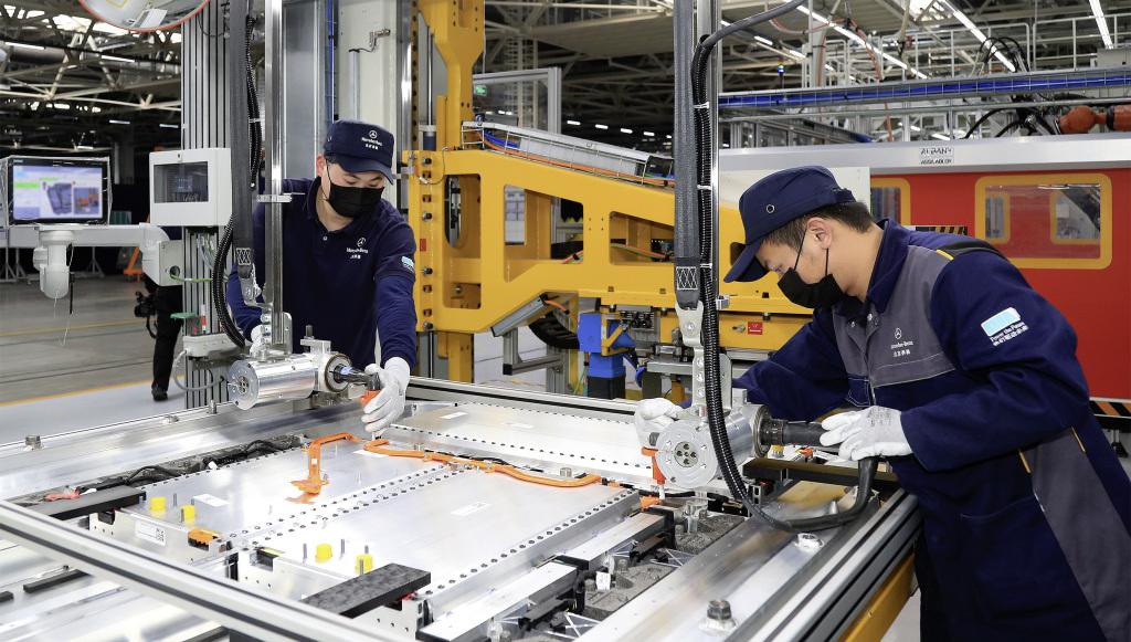 Encuentran coronavirus en repuestos de autos fabricados en China