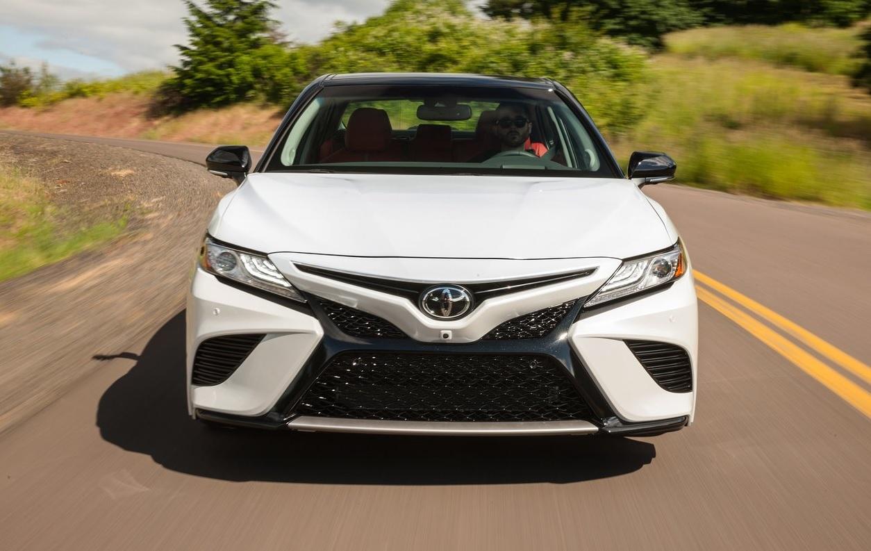 Toyota Camry XLE 2021 resena opiniones