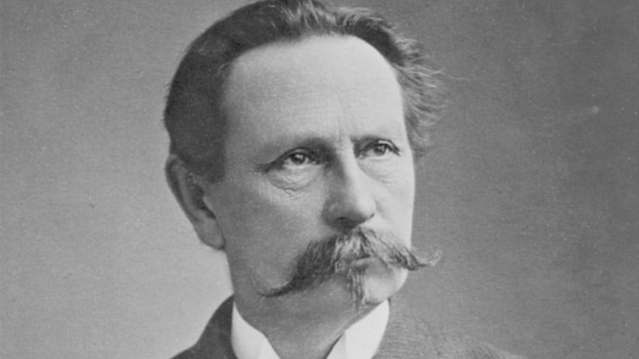Karl Benz figura como el creador del primer coche de la historia