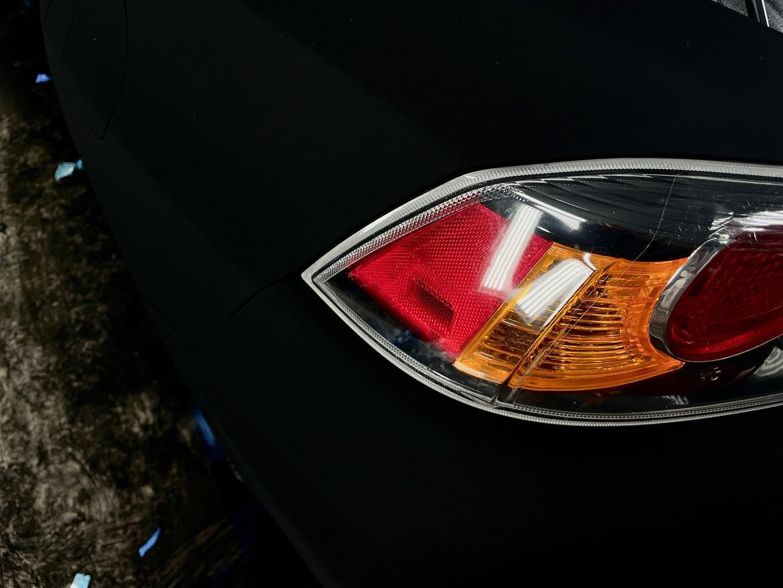 El Mitsubishi Lancer con el acabado de pintura más alucinante