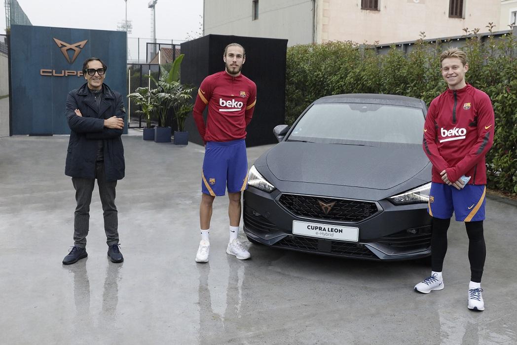 Los jugadores del Barcelona personalizan los nuevos Cupra