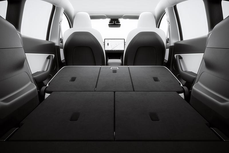 Tesla Model Y siete pasajeros interior