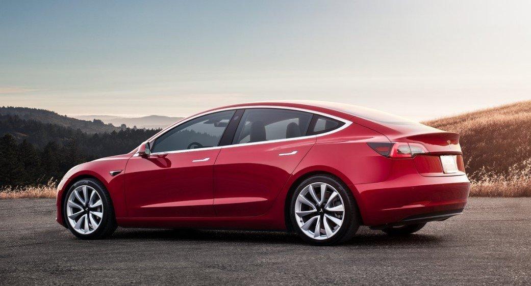 autos urbanos Tesla Model 3
