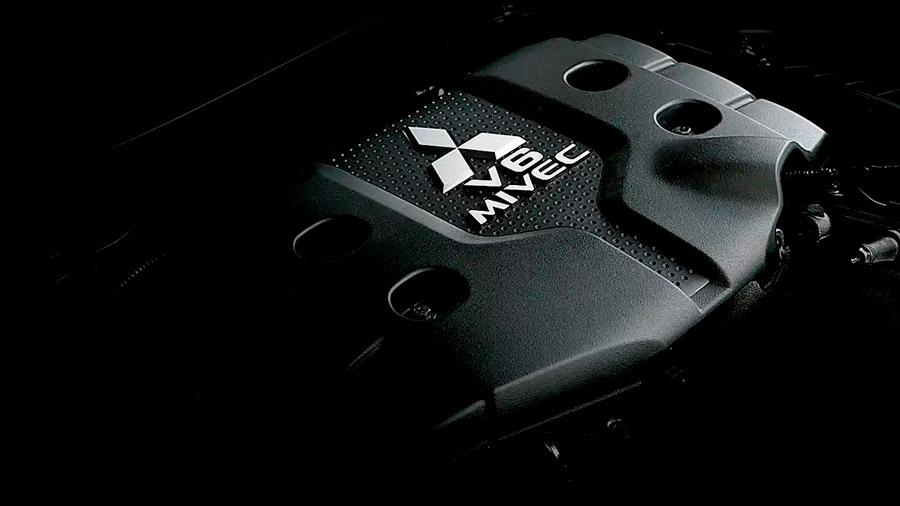 Su motor V6 de 3.0 litros ofrece la potencia suficiente para enfrentarse a la experiencia off-road