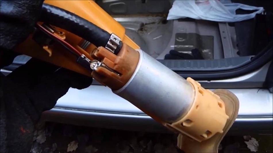 Los simtomas de las fallas de la bomba de gasolina