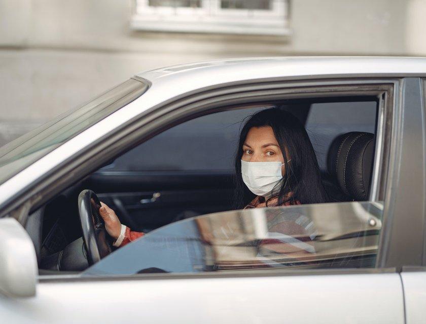 Estudio indica que bajar las ventanas del auto reduce el riesgo de Covid-19