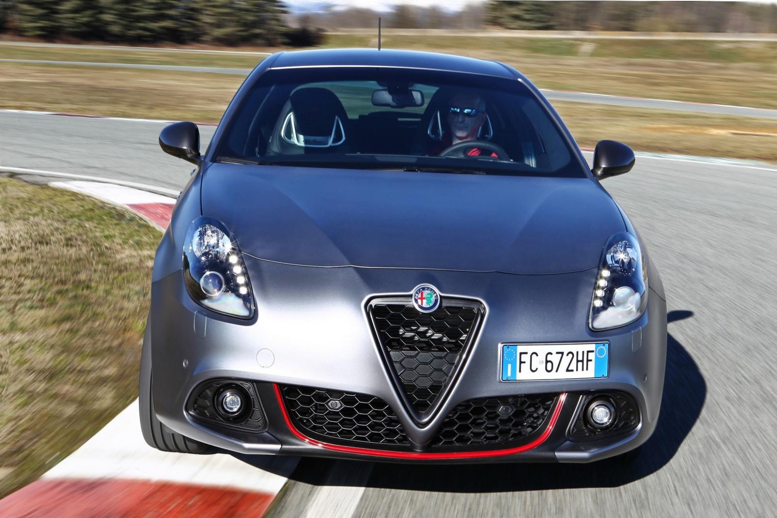 Alfa Romeo Giulietta 110 Edizione 2021 en color Gris Opaco
