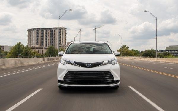 Toyota hace equipo con Aurora y Denso para desarrollar robotaxis