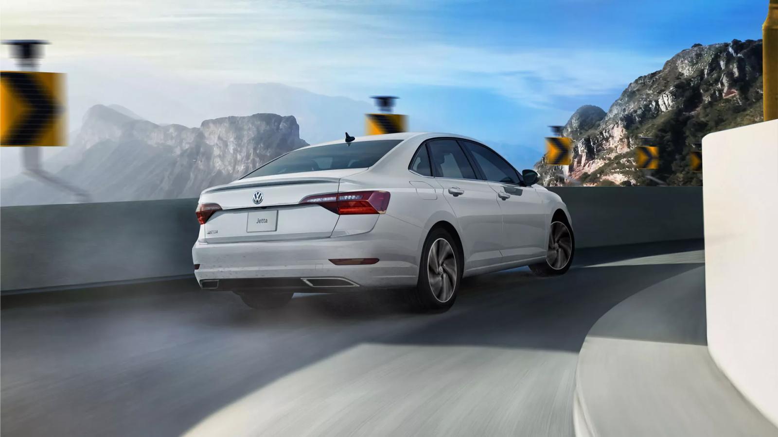 Honda Civic i-Style 2021 Volkswagen Jetta Comfortline 2021 comparativa