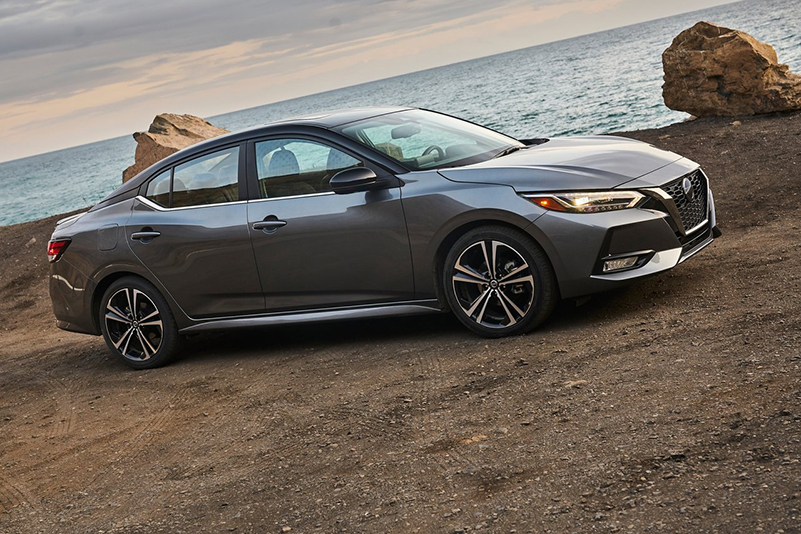 Nissan Sentra SR CVT 2021 resena opiniones