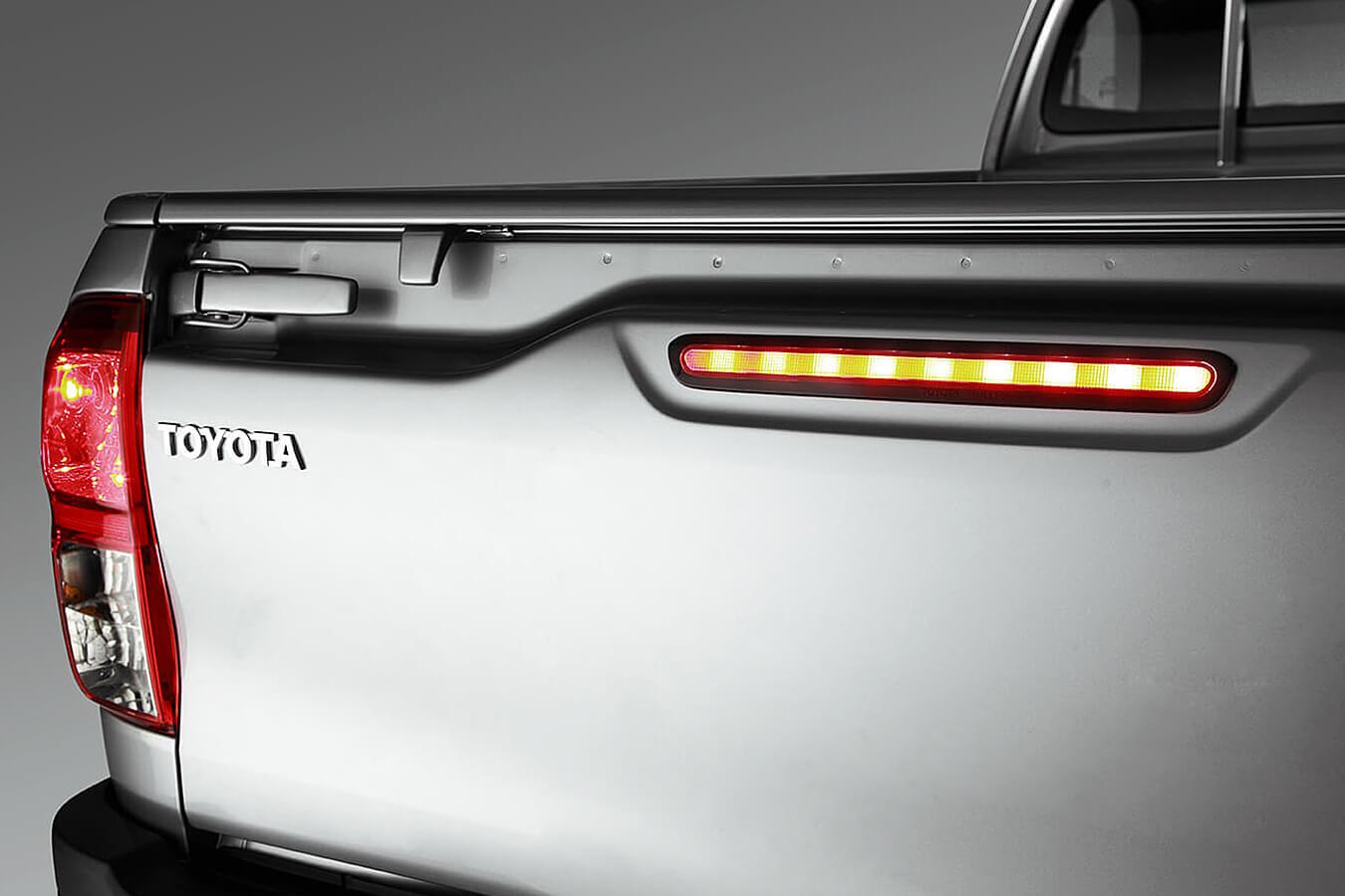 Toyota Hilux precio 1