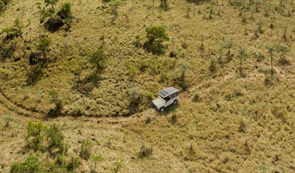 Video: La Land Rover Defender solar desarrollada para ir de safari