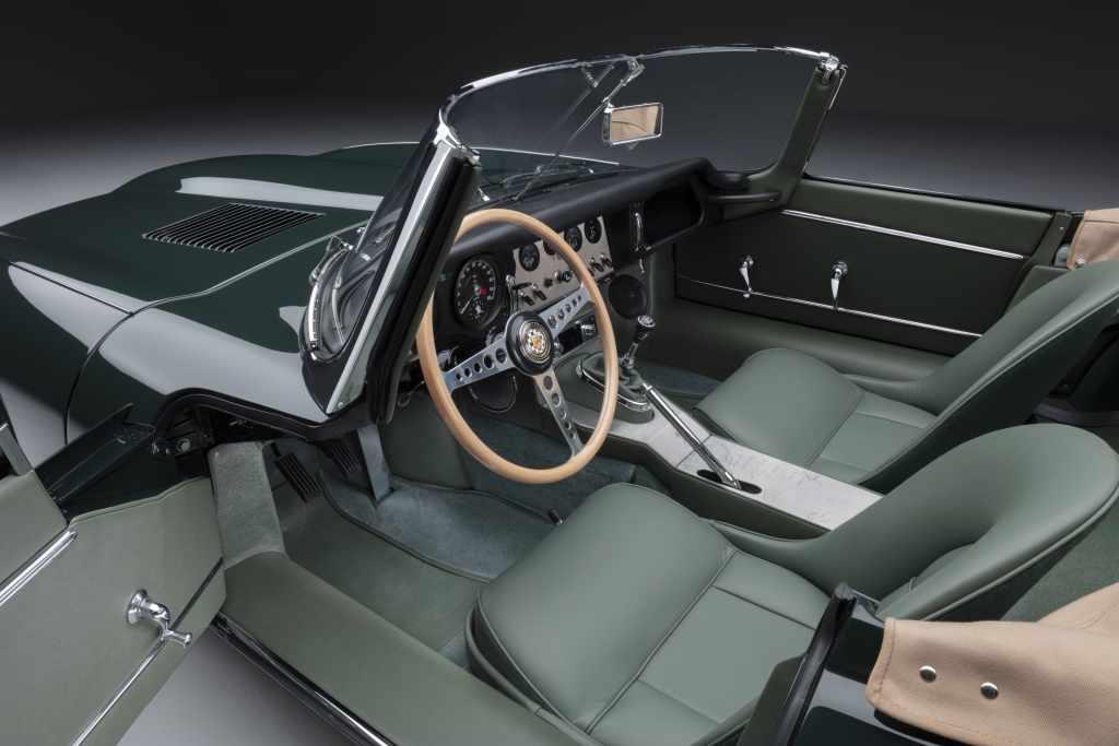 Jaguar E-Type Roadster interior