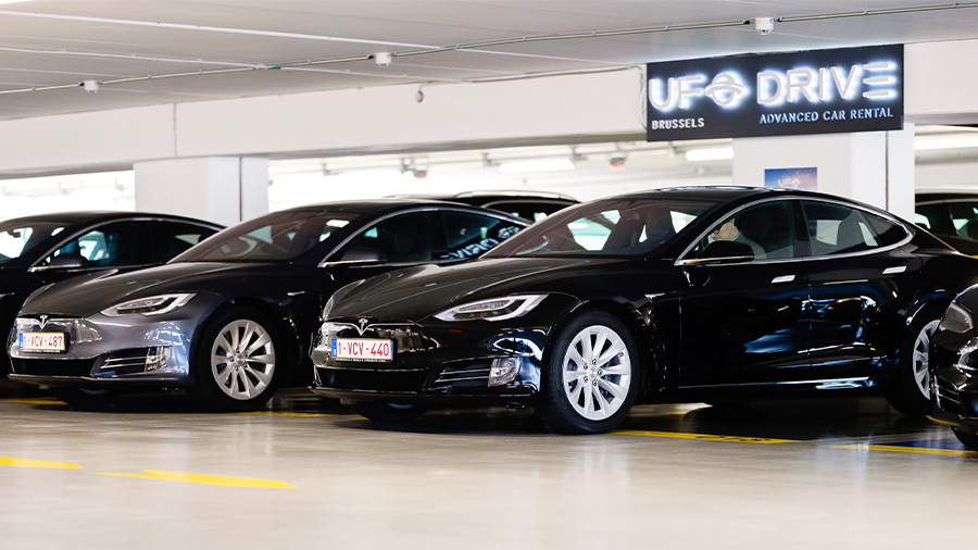 UFODRIVE es una empresa que solo ofrece el servicio de renta de autos eléctricos