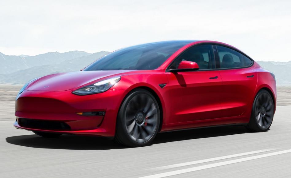 ¡Es oficial! Ya podrás comprar un Tesla con Bitcoin