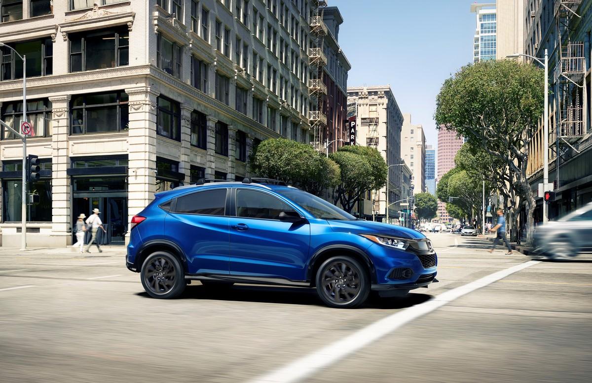 Ford EcoSport Trend TM 2021 Honda HR-V Uniq MT 2021 comparativa