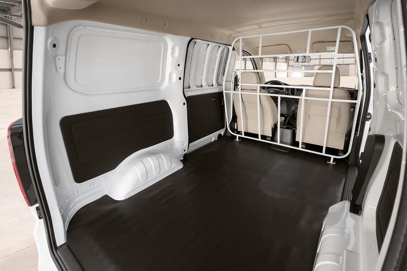 Chevrolet Tornado Van 2022 interior