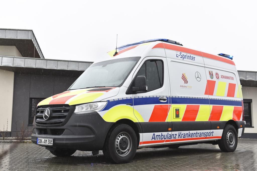 Mercedes-Benz presenta su primera ambulancia eléctrica