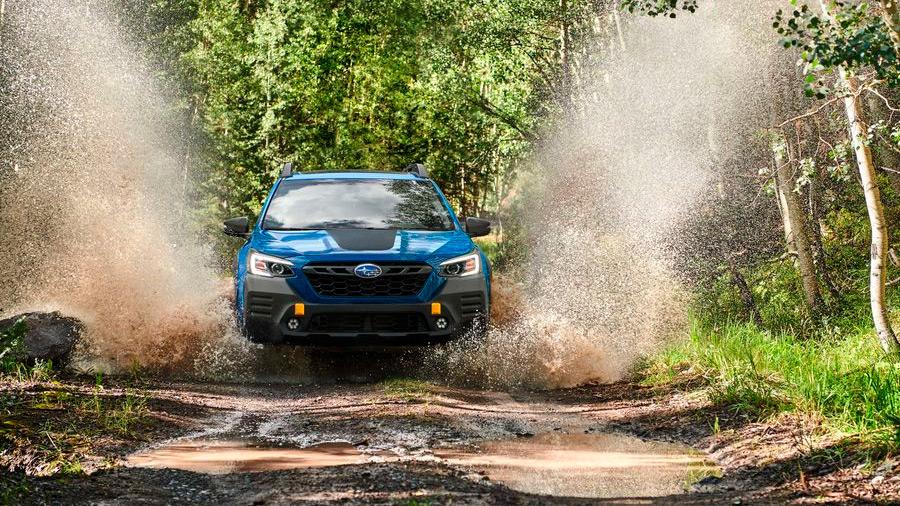 La Subaru Outback Wilderness lleva una suspensión elevada para rodar con mayor confianza sobre terrenos irregulares