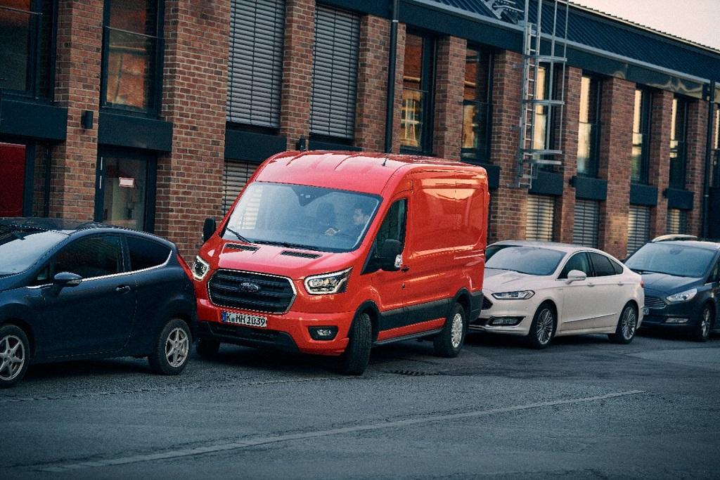 Ford desarrolla espejo inteligente