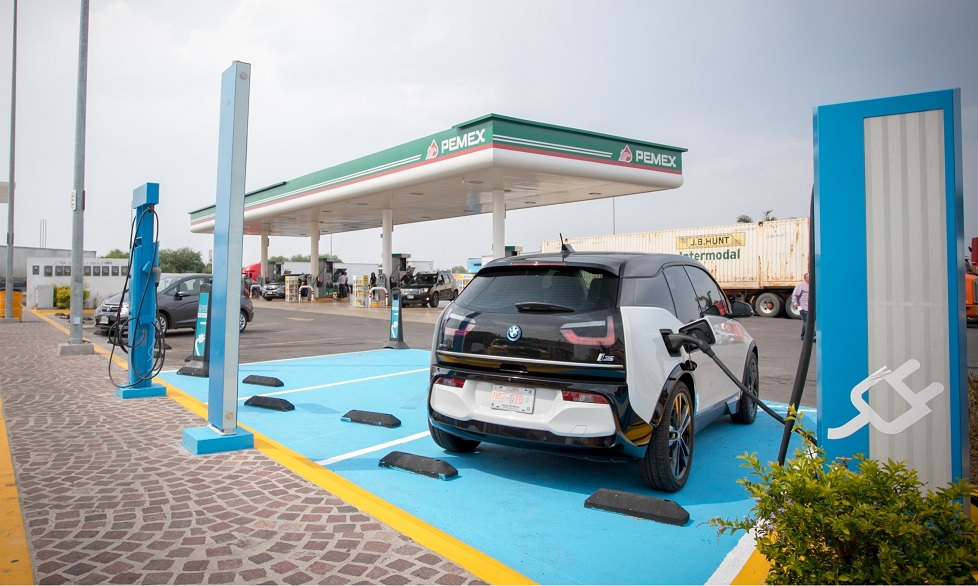 BMW y Nissan celebran seis años de impulsar la movilidad eléctrica en México