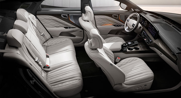 Kia K8 interior