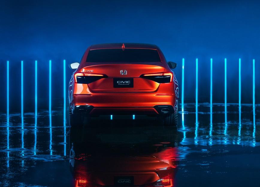 Honda muestra la primera imagen oficial del Civic 2022