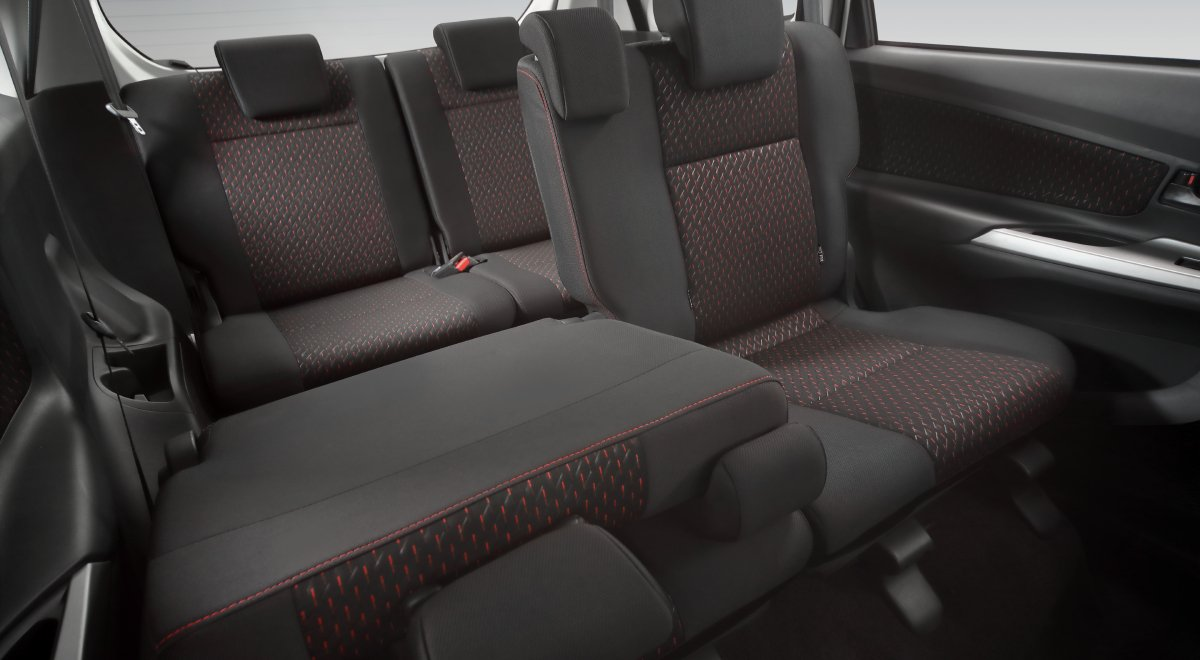 Toyota Avanza 4