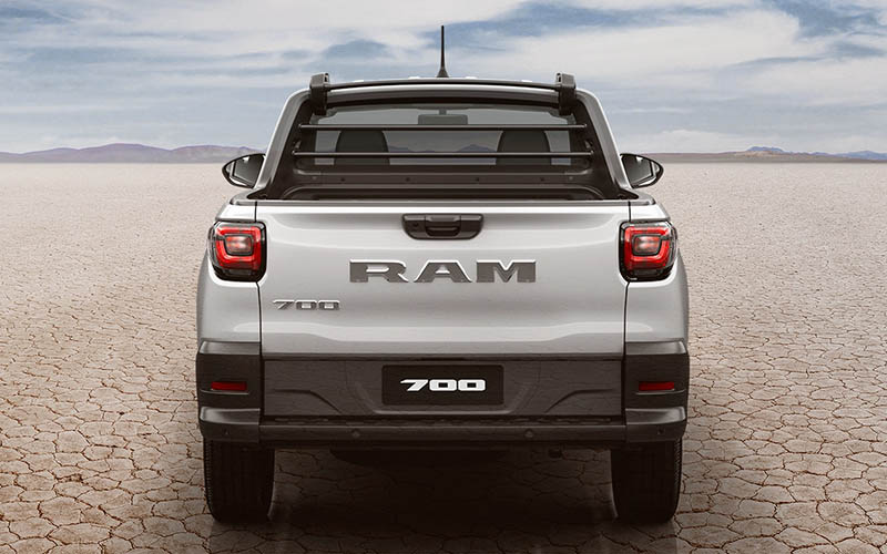 pick up compactas - Ram 700 trasero