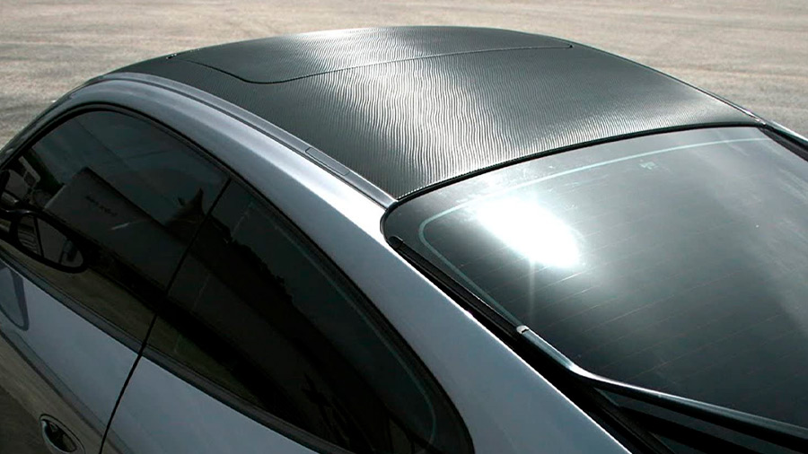 La aplicación de vinilos le cambia el rostro al exterior de los autos