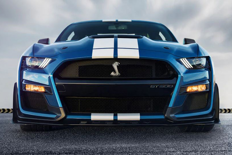 Ford Shelby GT500 con motor V8