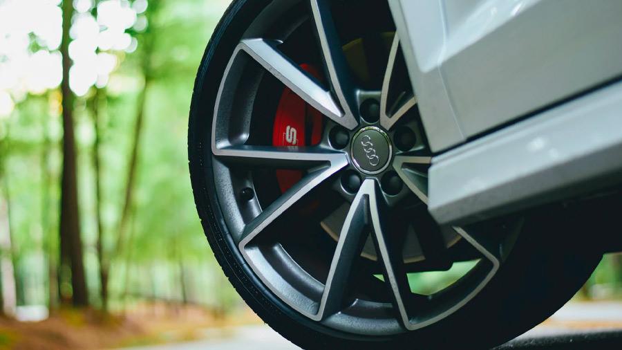 El sistema de frenos ABS es prácticamente una característica estándar en los vehículos modernos