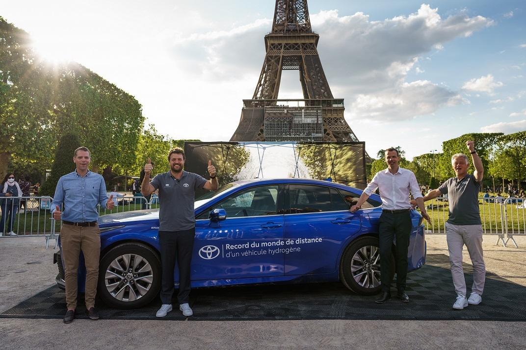 El Toyota Mirai rompe récord de distancia para un auto de hidrógeno