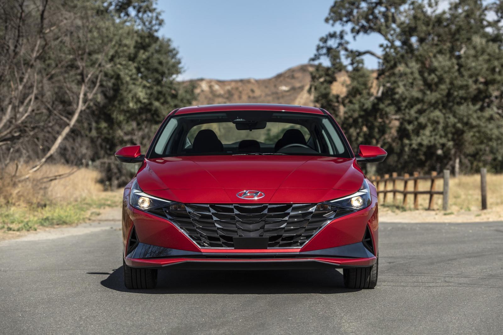 Hyundai Elantra 2022