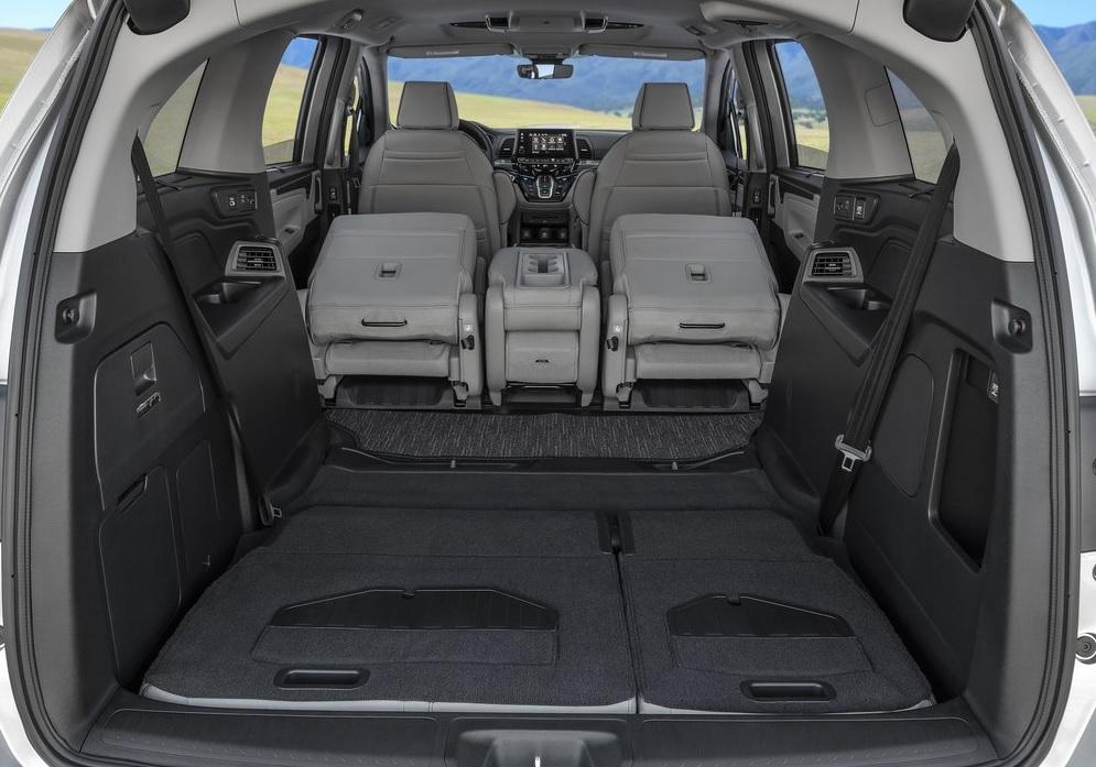 Razones por las que conviene comprar una minivan
