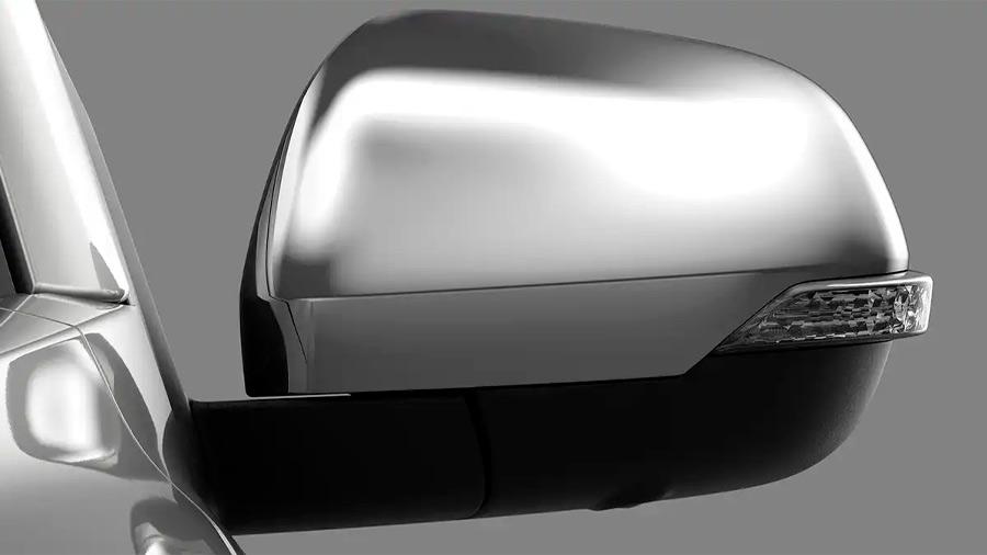 Los espejos retrovisores llevan tecnología desempañante