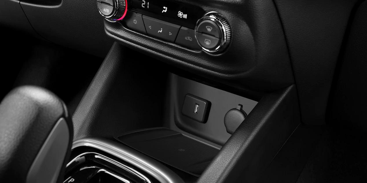 Chevrolet Tracker interior