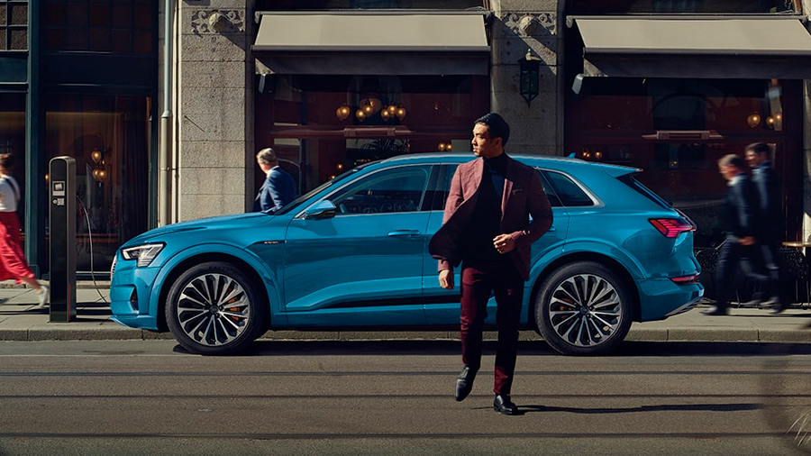 En el catálogo de SUV de Audi destaca la e-tron por su motorización 100% eléctrica
