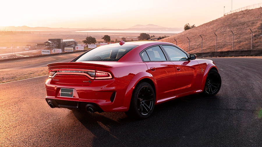 El Dodge Charger Widebody SRT 2021 incorpora un sistema de escape de doble salida