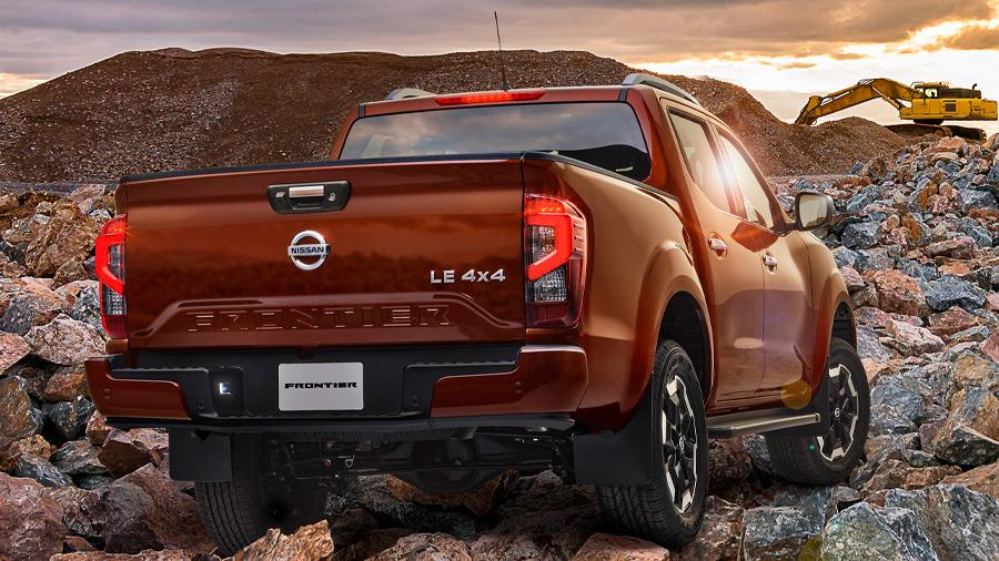La Nissan NP300 Frontier precio sobresale por su versatilidad y capacidad off-road en determinadas versiones